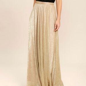 Dresses & Skirts - BRAND NEW Stunning Gold Maxi Shimmer Skirt
